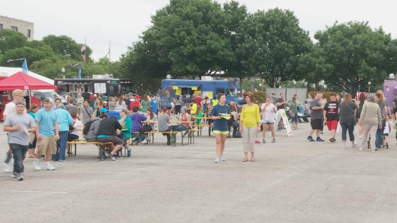 Waco: Food truck frenzy attracts thousands to city